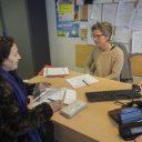 Dans le bureau d'Emmanuelle Goffaux, écrivaine publique de Molenbeek